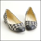 Size 40 Chanel Black & White Classic Tweed Cap Toe Ballet Flats