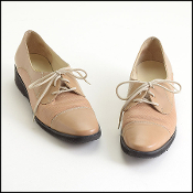 Size 9 Narrow Ferragamo Beige Lace Up Classic Oxfords